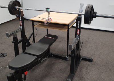 An Algorithm for Estimating the Performance during Barbell Exercises with Acceleration Sensors